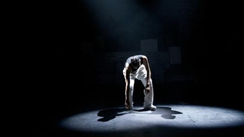 tiyatro-ve-kritik-dusunme